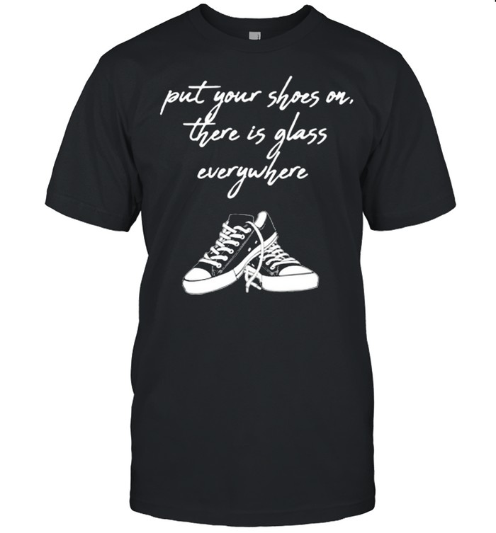 Kamala Harris put your shoes on there is glass everywhere converse shirt Classic Men's T-shirt