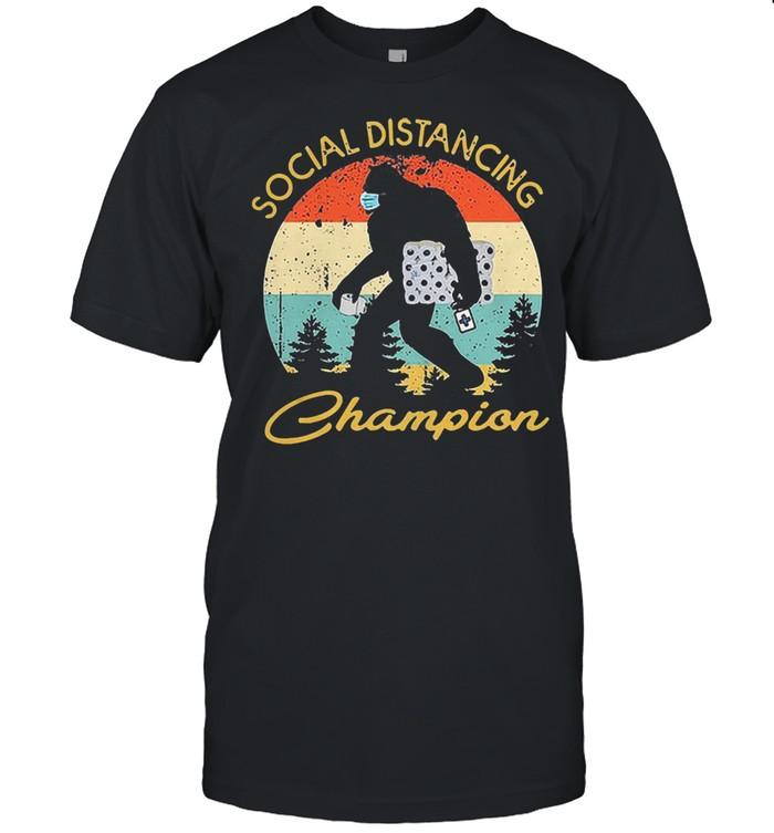 Bigfoot hug toilet paper social distancing champion vintage shirt Classic Men's T-shirt