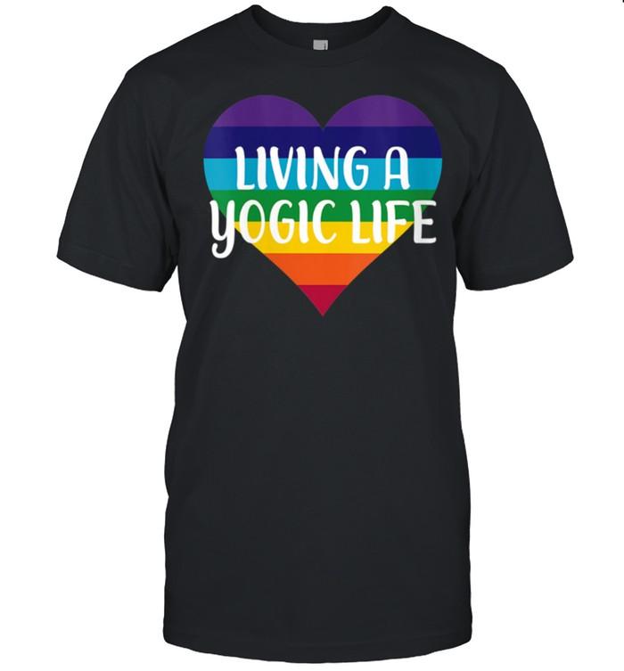Kundalini Yoga Chakra Colors Heart LIVING A YOGIC LIFE  Classic Men's T-shirt