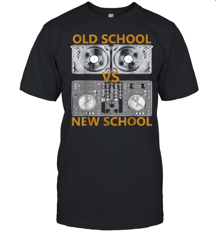 Old School DJ VS New School DJ shirt Classic Men's T-shirt