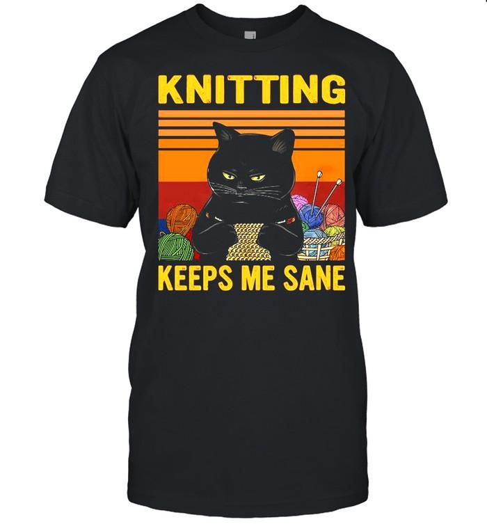 Black Cat Knitting Keeps Me Sane Vintage shirt Classic Men's T-shirt