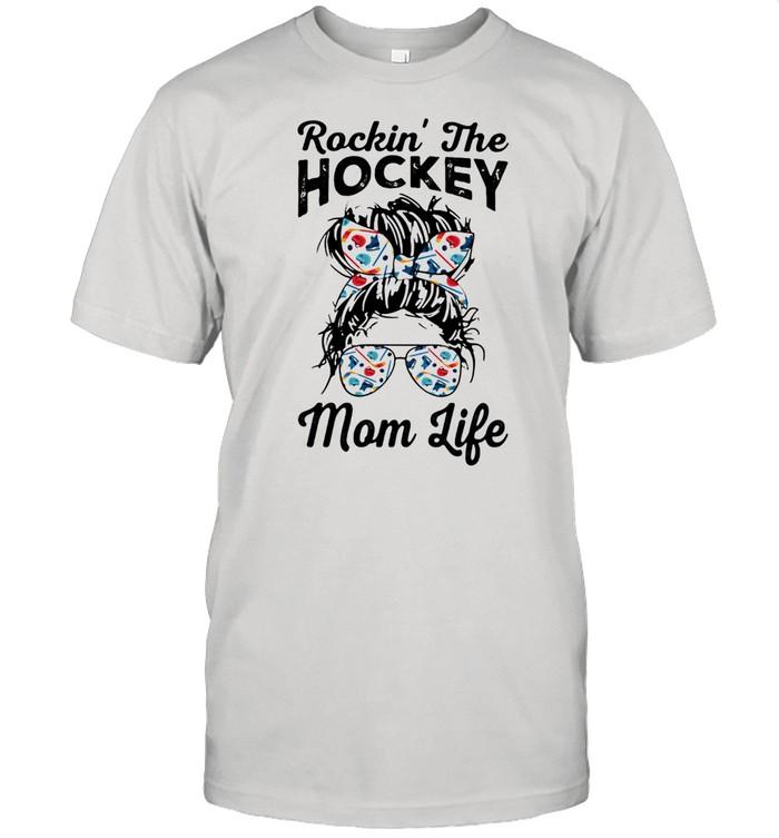 Rockin' The Hockey Mom Life  Classic Men's T-shirt