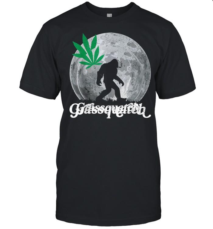 Grassquatch Marijuana Weed Leaf Stoner Cannabis Smoker shirt Classic Men's T-shirt