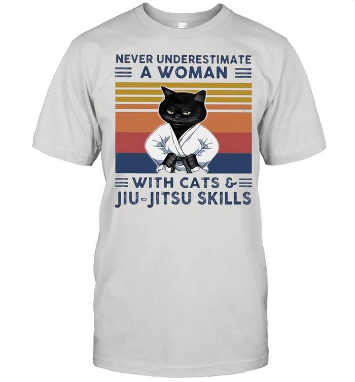 Black Cat Never Underestimate A Woman With Cats And Jiu-jitsu Skills Vintage shirt Classic Men's T-shirt